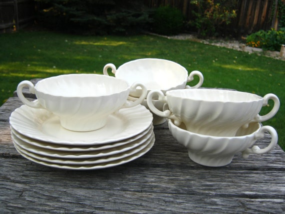 1930s Gladding McBean Coronado Cream Soup Bowls and Plates - Vintage Franciscan Matte Ivory Swirl