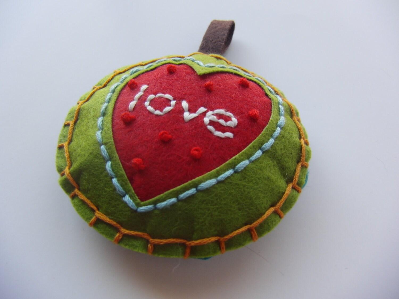 Everybody Loves Christmas: Handmade Felt Christmas Holiday ...