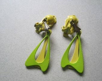 Vintage 1960's Mod Lime and Yellow Enameled Metal Jetsons Go Go Earrings costume jewelry vintage earrings summer jewelry