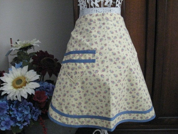 Apron Snappy Half Apron Yellow Print with Flowers With Pocket Kitchen Accessories
