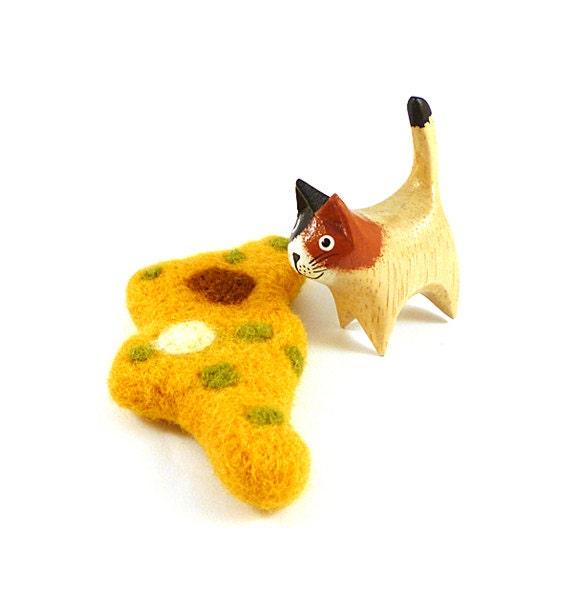 Mustard Yellow Amoeba Wool Catnip Cat Toy