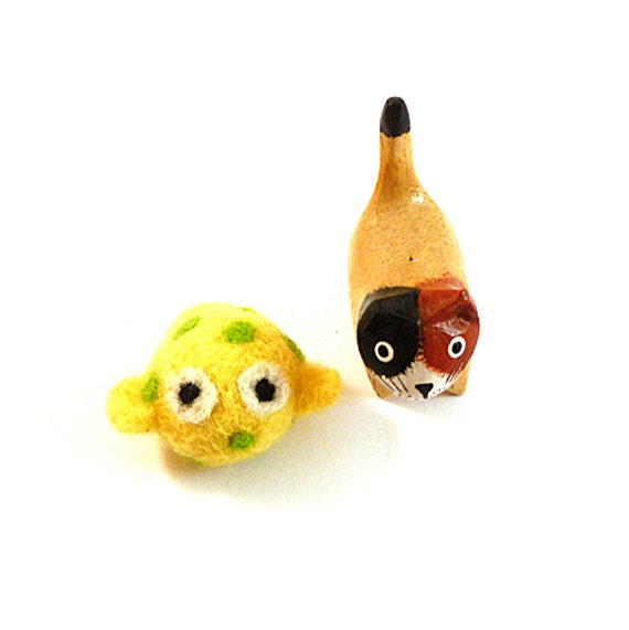 Yellow Spotted Fish Wool Catnip Cat Toy