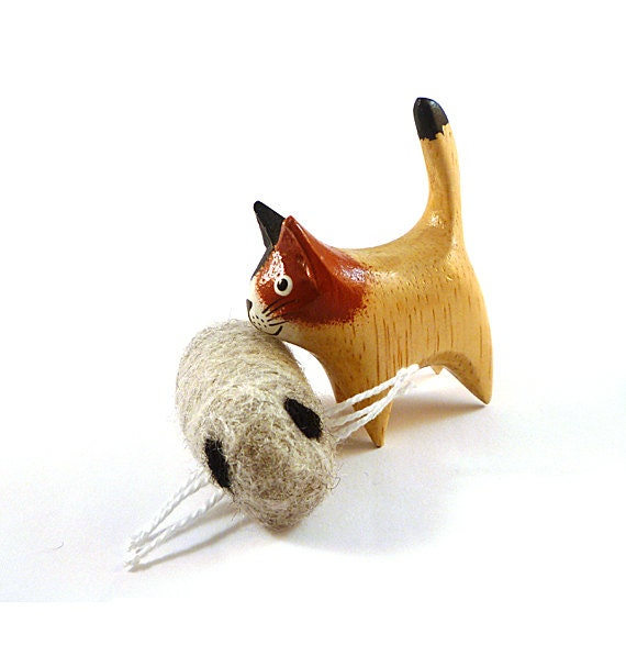 Maggot Grub Wool Catnip Cat Toy