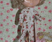 Sweet white with pink roses footed pjs for Blythe