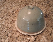 Round covered dish (butter dish, cheese dish, etc)