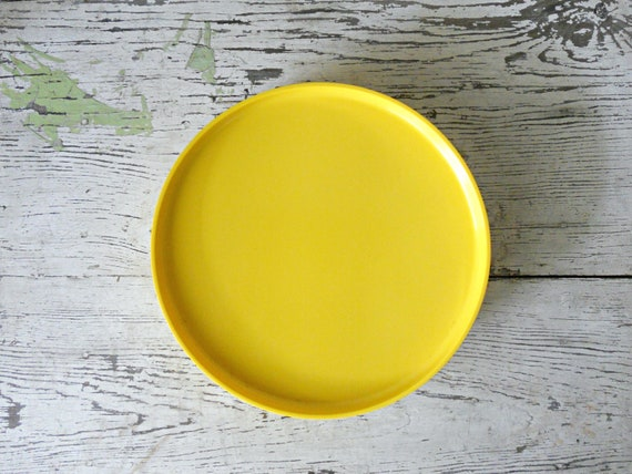 Reserved. Heller Massimo Vignelli Plates - Set of 3, Melamine, Yellow, Stackable