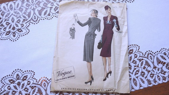 vintage 1941 WWII sewing pattern 393 UNCUT /  Vogue Couturier / 1940s