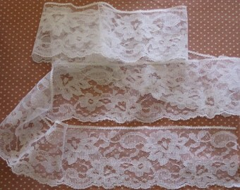 "Beautiful Vintage Lace Floral Pattern Flat, Scalloped, White 1 7/8 Yards by 3-1/4"" wide - Delicate Bridal, Sewing, Crafts"