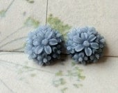 14 mm Grey Color Resin  Tansy Flower Cabochons (.st)