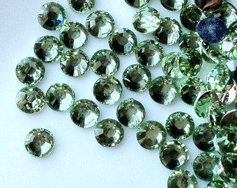 2 mm High Quality 14 Faceted Cut Resin Rhinestone Light Green Diamond (.cu)