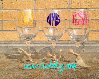 Personalized / Monogrammed Wine Glass / Custom Wine Glass, Christmas Gift