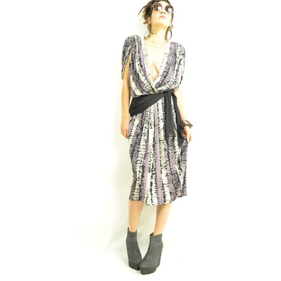 ViNTAGE TRiBAL DRESS / amazing wrap style / plunging deep V / abstract print / obi sash waist / drapey / s m L