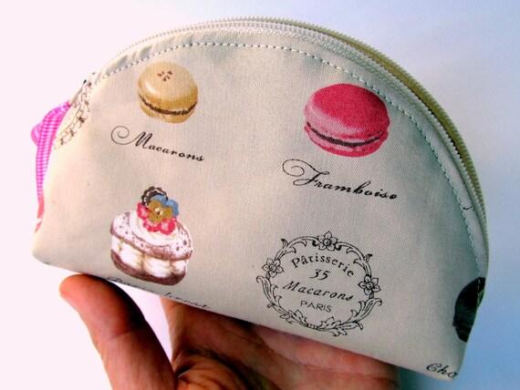 Zipper pouch Tan Taupe Beige French macaroon macaron Paris Patisserie Cosmetic pouch Dumpling Makeup bag