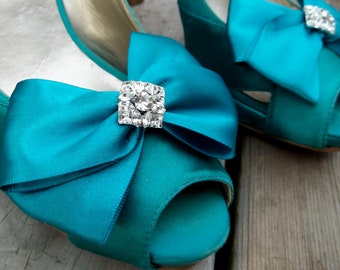 Satin Bridal Shoe Clips, MANY COLORS AVAILABLE, Wedding Shoe Clips, Satin Shoe Clips, Rhinestone Shoe Clips, Shoe Clips for Bridal Shoes
