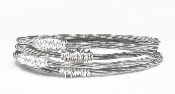 Silver Bangle Bracelet Stack // Set of 4 Bracelets // Guitar String Bracelet / Recycled Eco-Friendly Jewelry / Stacking Bangles / Bridesmaid