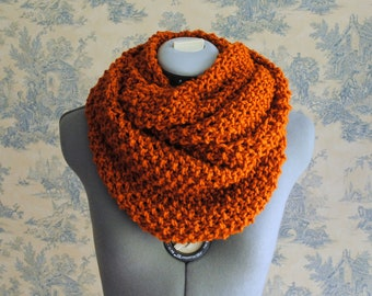 Infinity Scarf- In RUST