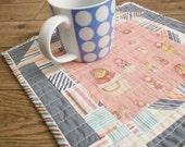quilted mug rug, coaster, patchwork mug rug, mat