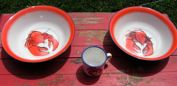 SALE 40s Set of Huge Enamel Lobster Serving Bowls and Cup Great Graphics Maine
