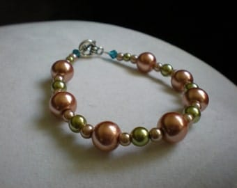 Coral and Olive Green Pearl Bracelet