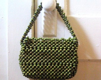 Vintage purse / 60s Vintage RETRO beaded purse / green wood beads handbag