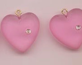 Six unusual and unusually beautiful vintage lucite heart pendants - 22 mm frosted pink hearts with embedded rhinestone