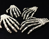 Set of 10 plastic skeleton hands