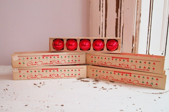 25 vintage shiny brite red christmas ornaments in original boxes