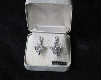 Vintage Sterling Silver Screw Back Filagree Earrings