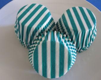 50 Green Wide Stripe Standard Cupcake Liners