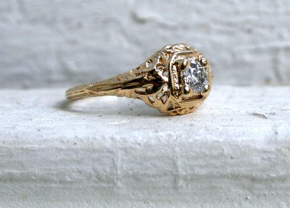 Rare Vintage Art Deco 14K Yellow Gold Diamond Engagement Ring.