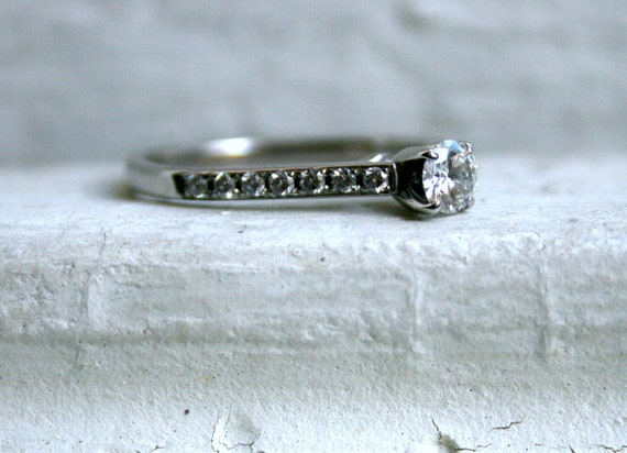 Simple Classic Vintage 14K White Gold Diamond Engagement Ring.
