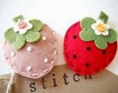 Felt hair clip- Strawberry  by Miki
