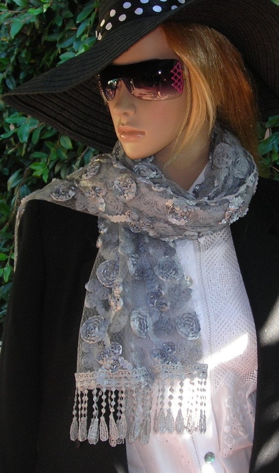 wedding wrap - Scarf  Richly Fringed - Wrap - shawl - - Pretty and  Sophisticated - Gray Lace Neck Rag  with roses
