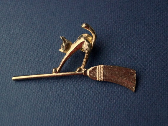 Avon Cat Brooch Flying on a Broom