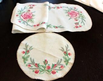Vintage Rose Pattern Embroidery Dresser set Runner Set