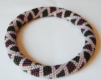 Bead Crochet Bangle: Lil Boxes