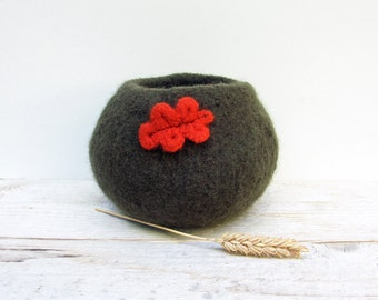 Felted Wool Bowl - Chocolate Brown felted wool bowl, Home Decor, Storage, Oak Leaf, Orange, Autumn, Fall