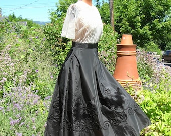 Vintage 1950's Black Taffeta Circle Skirt Braid Trim Velveteen Butterfly Applique Victorian Revival /  1947 New Look