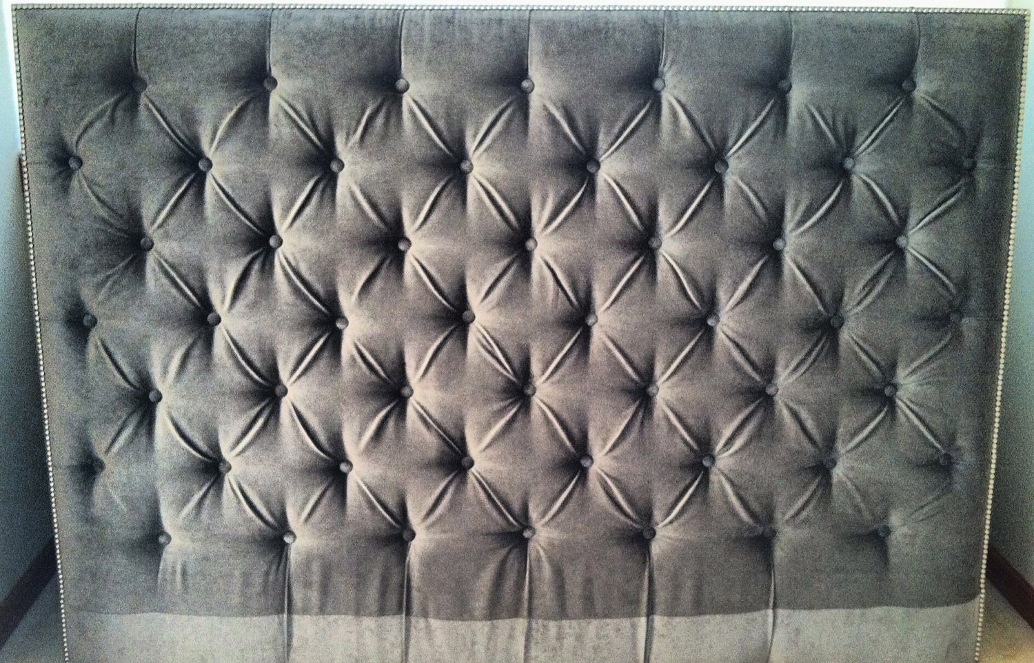 Diamond Tufted Vintage Velvet Headboard With Nailhead Border