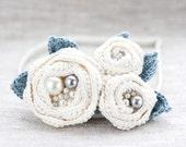 Crochet white brooch, Crochet Flower brooch, Crocheted brooch, White hair clip, White Headband, Gray headpiece