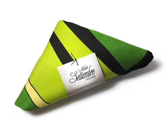Green reusable shopping bag made with strong cotton edged in black ribbon tote bag triangle fold colored and young style