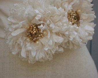 Wedding sash, wedding belt, wedding accessories, bridal belt, gold sash,  women sash, wedding gown, flower sash, handmade sash, belt.