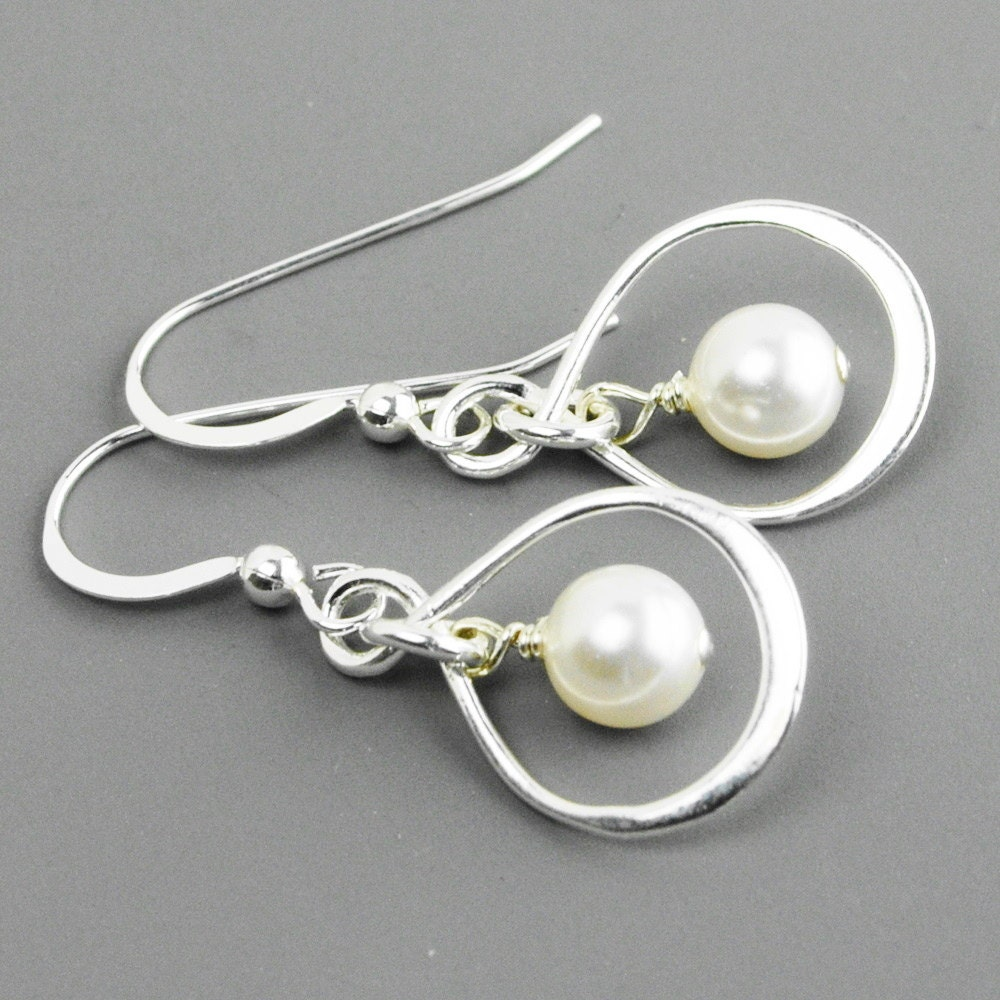 sterling silver infinity earrings white by mydistinctdesigns