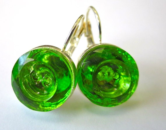 Vintage glass 2-hole button earrings, Peridot colored glass, silver leverbacks