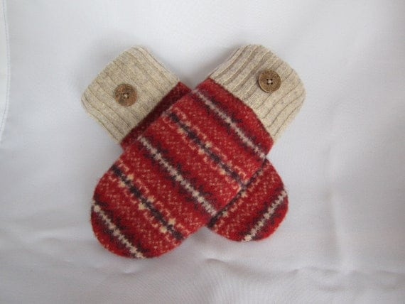 RESERVED FOR PATRICIAWomen's lambswool mittens in red, cream, navy print Size medium