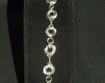 Dainty Mobius Bracelet