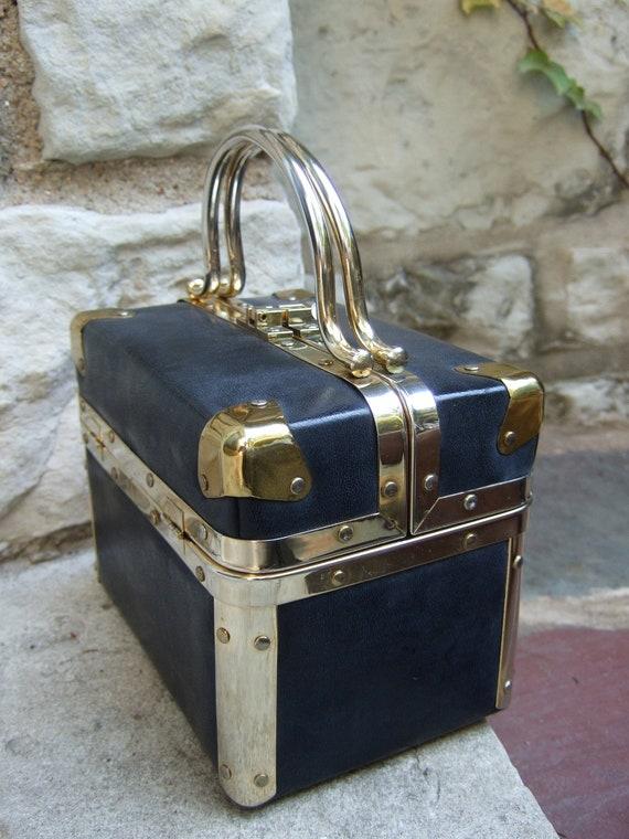 "Elegant Sleek Borsa Bella ""Style"" Handbag c 1980"