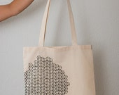 Geometric Cube Print Tote Bag (Black)