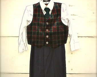 Outfit for little boys,suit for little boys  (size 3-4T)