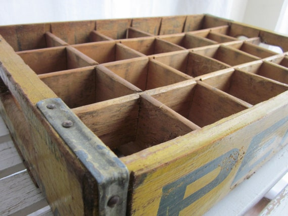 vintage wooden pepsi crate with dividers